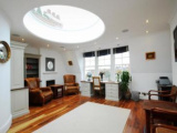 Stunning, well presented 7 bedroom house located in the heart of Chelsea