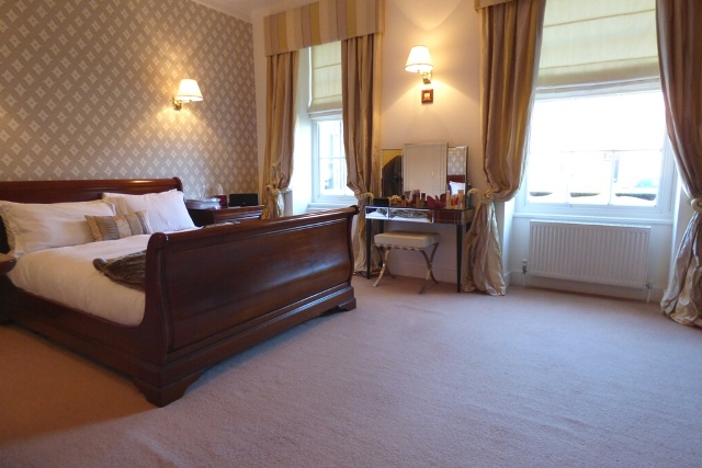 Bretby Hall master bedroom