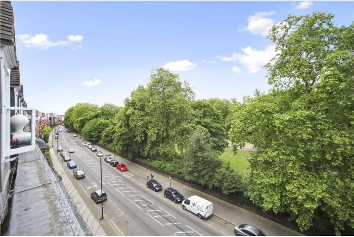 property-for-sale-primrose-mansions-prince-of-wales-drive-london-sw11-700x469-1433842415-BAT150061 07