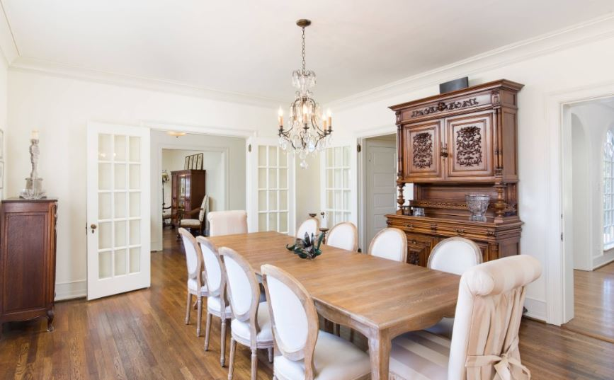 Country style dining room, dining table and side board, old world charm
