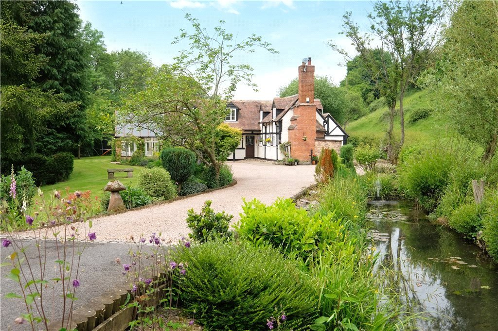 Lower Sconch Cottage in Whitbourne Worcestershire - For Sale with Andrew Grant Estate Agents